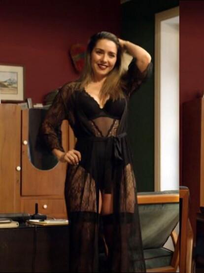 Por el apartamento de Paco han desfilado mujeres increíbles, como Ariadne Díaz, quien interpretó en el capítulo 12 de la temporada 3 a la actriz 'Jennifer Bracamontes'.
