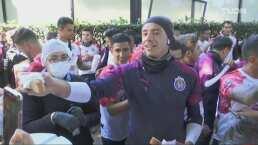 ¡Hay rosca! Chivas festeja el Día de Reyes con su afición