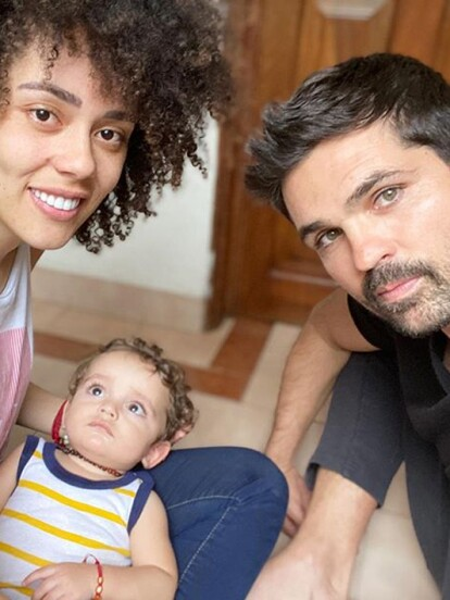 Tadeo, el hijo de Ferdinando Valencia y Brenda Kellerman que cumplirá un año el próximo 24 de abril, debutó en la actuación al formar parte del sketch 'El mundo al revés' en el programa de comedia '+Noche' en compañía de sus padres.