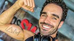 Marcus Ornellas muestra el proceso para 'borrarse' sus tatuajes