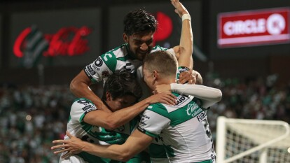 ¡Santos sigue imparable! Los Guerreros vencen 1-0 al Atlas