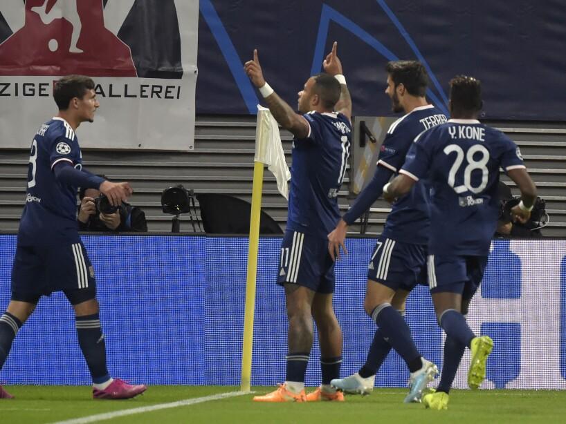 Lille 0-2 Lyon. Memphis y Terrier marcaron para el triunfo de los franceses.