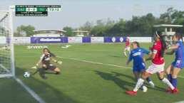 ¡Poste! Renae Cuéllar no pudo conseguir el gol ante Cruz Azul