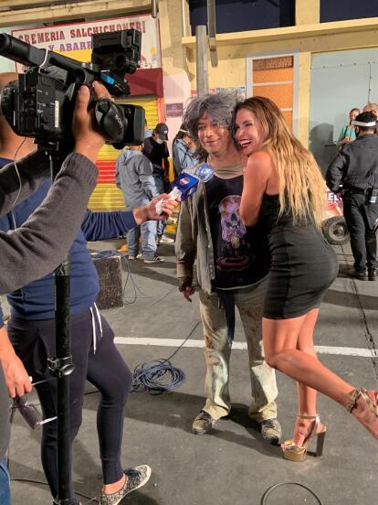 Las cámaras de HOY llegaron a las grabaciones de Andrea Escalona en 'Relatos Macabrones'.