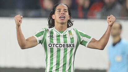 Diego Lainez se quedó en la banca, acumulando 15 minutos de juego hasta la quinta jornada de La Liga.