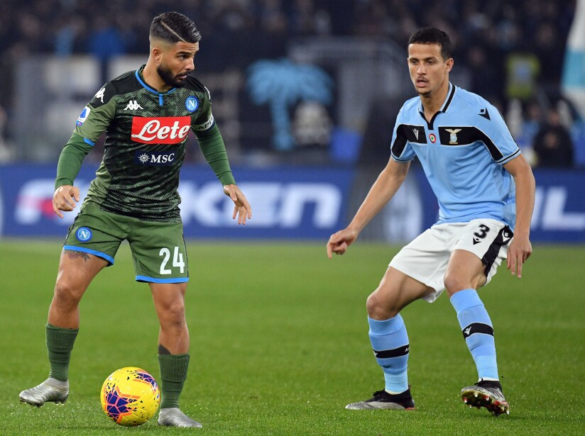 Hirving Lozano ingresó al 90' en la derrota de su equipo ante Lazio. Napoli dominó gran parte del encuentro hasta que Immobile (82') aprovechó un error de Ospina.