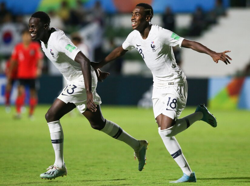 Corea del Sur 1-3 Francia; Holanda 1-3 Senegal; EEUU 0-0 Japón; Chile 4-2 Haití.
