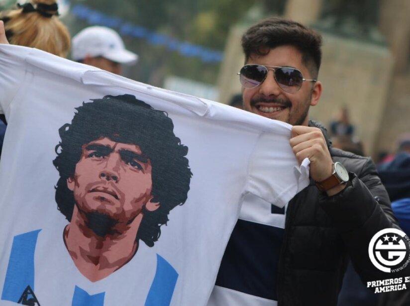 Player Maradona.jpg