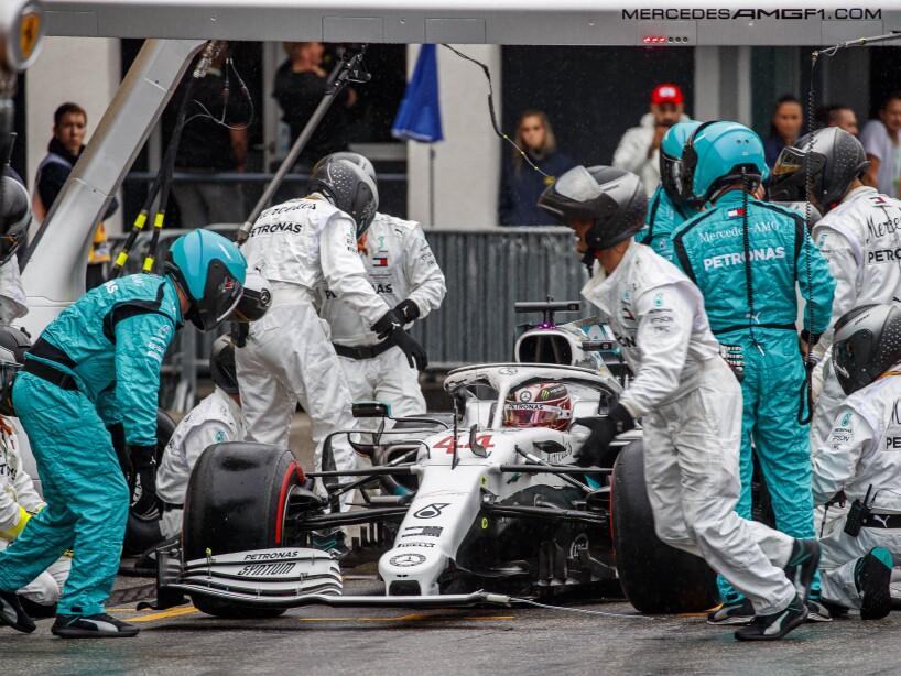 El Hockenheim le dejó la pole por una calificación cómoda por los problemas de Ferrari, pero la carrera bajo la lluvia le complicó las cosas a pesar de su experiencia