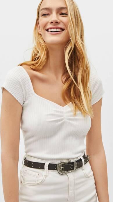 13 Razones por las que una camiseta blanca es TODO menos una prenda aburrida