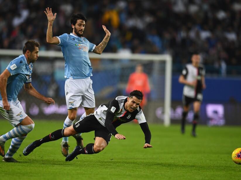 En el Estadio King Saud University de Al Riyadh de Arabia Saudita, el tridente Cristiano-Dyabala-Higuaín, no pudo penetrar la férrea defensa. Romero (16') abrió el marcador y Dybala (45') empató para dar esperanza a los de Turín. Lulic (73') marcó el segundo para Lazio y Danilo Cataldi (94') cerró la cuenta para el 3-1 final.