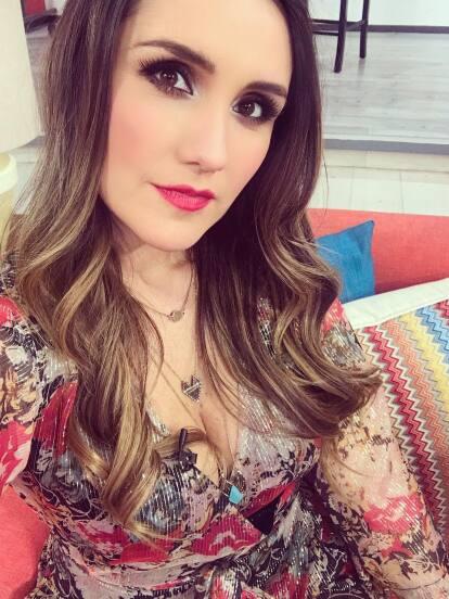 La cantante Dulce María festejó su cumpleaños número 33 en compañía de familiares, amigos y su novio, el cineasta Paco Álvarez.