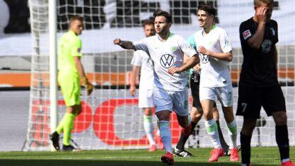Con gol de Daniel Ginczek al minuto 90+1, Wolfsburgo se impone 1-2 en su visita al Augsburgo.