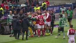 Mathieu tira patada artera y desata bronca en el Braga-Sporting
