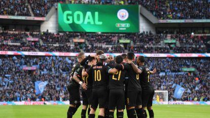 El Manchester City venció al Aston Villa 2-1 con goles de Agüero y Rodri para ganar, por segunda vez consecutiva, la Copa de la Liga.