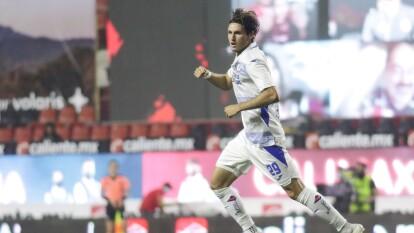 Con goles de Santi Giménez y Jonathan Rodríguez, la Máquina del Cruz Azul vence a los Xolos de Tijuana y regresan a casa con los tres punto y el liderato del torneo.