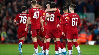 Con juveniles, los Reds se quedan con el 'Derbi de Merseyside' y siguen con vida en la FA Cup.
