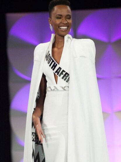 Zozibini Tunzi, represante de Sudáfrica, fue coronada como la ganadora de Miss Universo 2019, dejando a las concursantes de Puerto Rico y México como las finalistas del certamen.