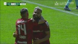 ¡Gol del Toluca! Alexis Canelo cruza el disparo para el 1-0