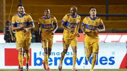 Tigres sentencia el partido en los primeros 10 minutos con goles de André-Pierre Gignac y Eduardo Vargas y al Puebla no le da tiempo de empatar y terminan cayendo 2-1.