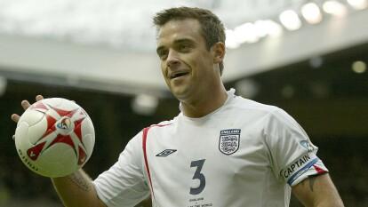Cuando Robbie Williams 'vacunó' al Manchester City | El cantante que pasó de ser 'verdugo' para los 'Citizens' a convertirse en agente de cambio en el Reino Unido.