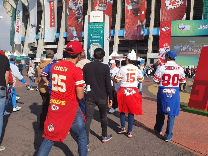 Color, Chargers vs Chiefs 15.jpeg