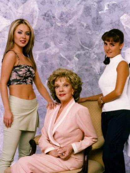 'Mujeres Engañadas' fue una telenovela producida por Emilio Larrosa para Televisa entre 1999 y el año 2000. Esta producción fue protagonizada por Laura León, Andrés García, Martha Roth, Sabine Moussier, Michel Vieth, Marisol Mijares y Bruno Becker, entre otros,