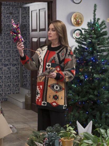 """En """"Nochebuena con los Falcón"""", el capítulo especial de Navidad de """"Vencer el Desamor"""", 'Bárbara' se rehusaba a poner el árbol para evitar recuerdos, pero el espíritu de las fiestas le tocó el corazón."""