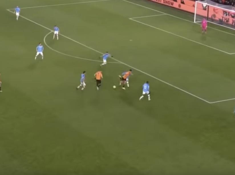 Raúl Jiménez vs Manchester City.png