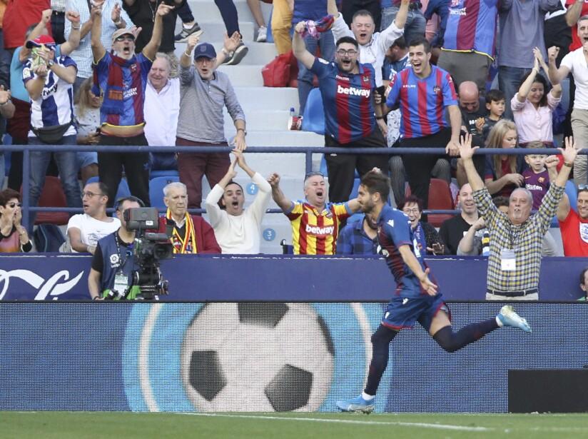 Messi (38') cobró un penal y abrió el marcador. Gómez (61'), Mayoral (63') y Radoja (68') propinaron la goliza.