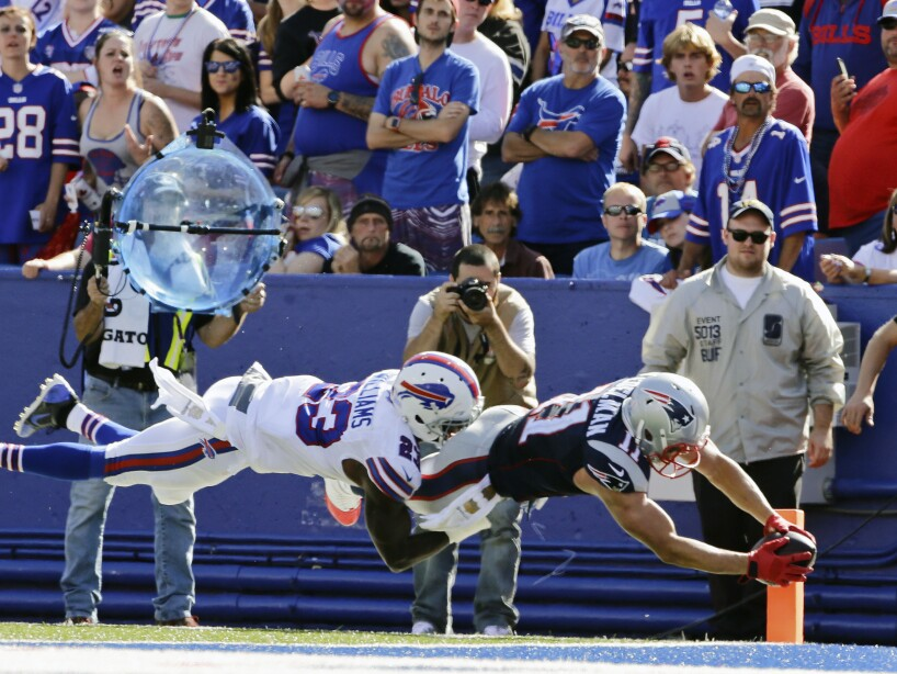 Aaron Williams, Julian Edelman