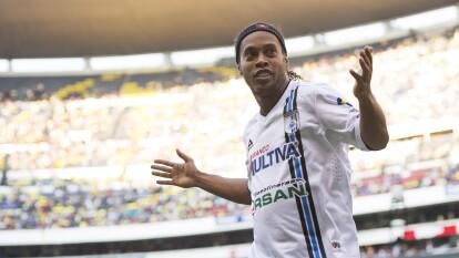 Durante un partido de la Fecha 14 entre las Águilas del América y Gallos Blancos de Querétaro, el astro brasileño dio una gran muestra de buen futbol, alegría y deleitó a todos los aficionados con su doblete.