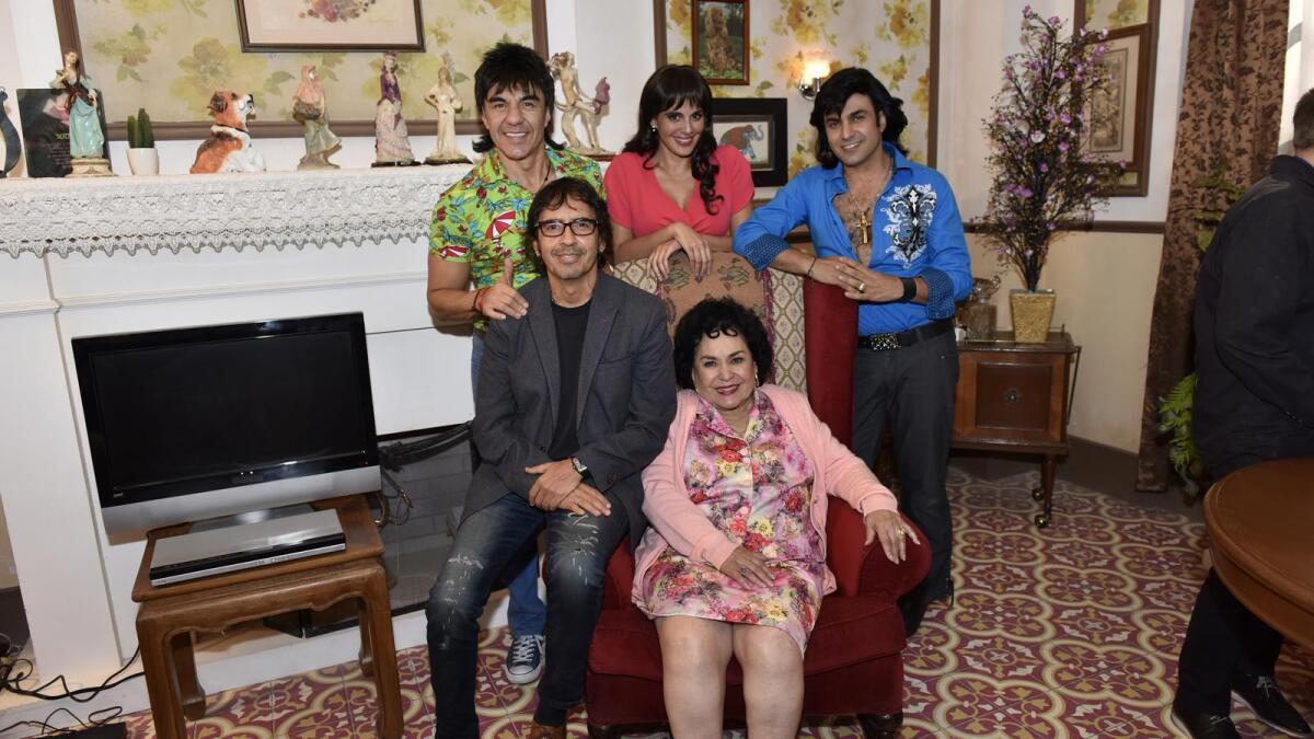 Nosotros Los Guapos Anuncia Estreno Blim Probadita Serie Nosotros Los Guapos Las Estrellas Tv 5,693 likes · 3 talking about this. anuncia estreno blim probadita serie