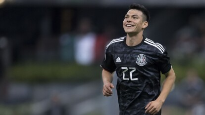 El mexicano estaría fuera del Napoli en verano, y el Newcastle podría ser su nuevo destino ahora que pinta para ser un club importante, ¿lo ven en la Premier League?