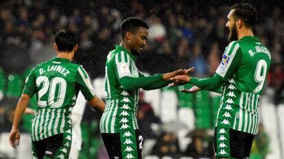 Diego Lainez anotó el tercer gol en el 0-4 del Betis al Antoniano y avanzó de ronda en la Copa del Rey; el mexicano fue titular y jugó los 90 minutos.