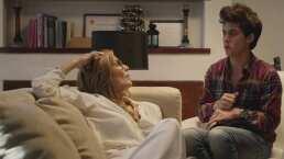 Fran intenta conquistar a su psicóloga, Sylvana Mora, en plena terapia