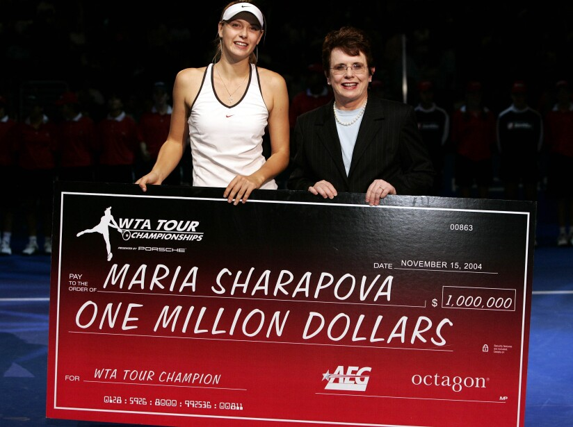 SHARAPOVA KING