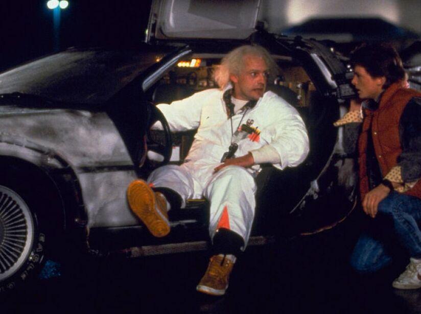 4. Delorean de Regreso Al Futuro: En 1985, Marty McFly era la envidia de todos en el cine, ¡tenía un coche que viajaba en el tiempo!