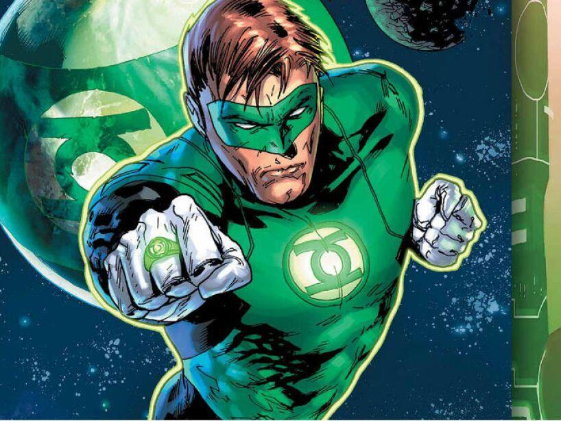 4. LINTERNA VERDE (Hal Jordan): Siempre tuvo un anillo de poder, que creaba manifestaciones de luz sólida.