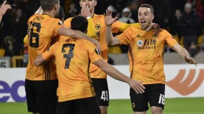 En 12 minutos, Diogo Jota logra un hat-trick que le dio la victoria al Wolverhampton ante Besiktas. Dendonker sella victoria conun cuarto gol para los Wolves y Raúl Jiménez se pierde encuentro al estar suspendido por tarjetas acumuladas.