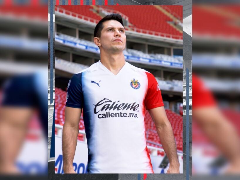Uniforme Chivas 1.jpg