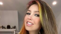 A sus 49 años, Thalía vuelve a lucir como toda una jovencita con su cabello de colores