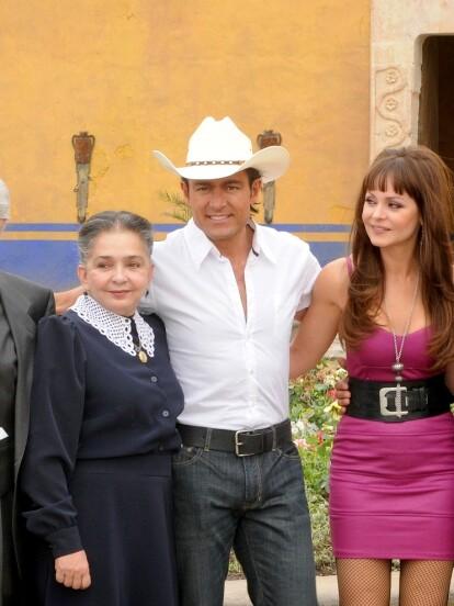 La telenovela 'Soy tu Dueña' se retransmitirá por Las Estrellas a partir del 17 de agosto próximo a las 4:30 de la tarde, a 10 años de aparecer por primera vez en pantalla. A continuación, te contamos qué ocurrió con los protagonistas de esta historia.