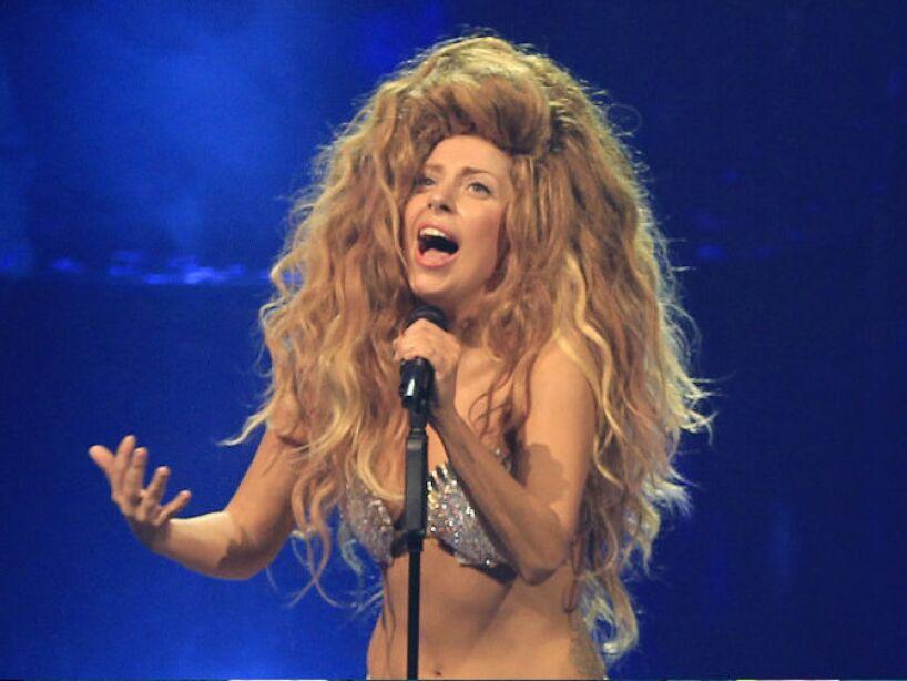 13. Lady Gaga: A través de redes sociales, se divulgó que la cantante había sido encontrada muerta en una habitación de hotel.