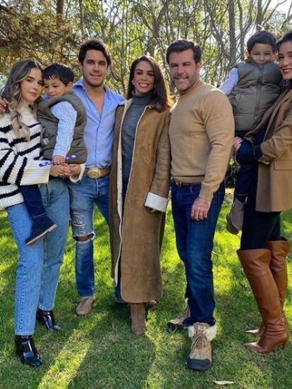 Biby Gaytán y Eduardo Capetillo iniciaron el Año Nuevo 2020 en familia.