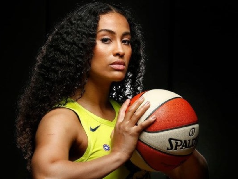 6 Skylar Diggins-Smith.PNG