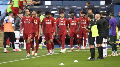 Guardiola y el City homenajearon al Liverpool | Recibieron al conjunto campeón del futbol inglés con aplausos y vítores reconociendo su hazaña.