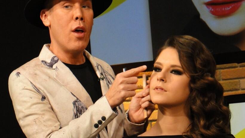 Maquillaje para graduación, con Alfonso Waithsman