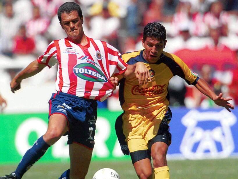 3 Carlos Hermosillo CHIVAS (1).jpg