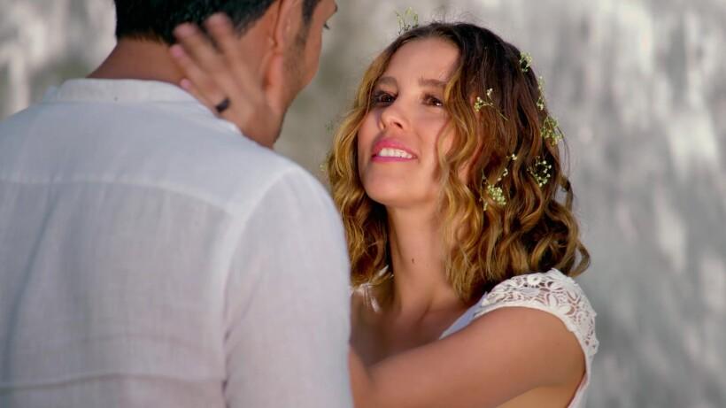 Victoria y Raul hacen sus votos de amor